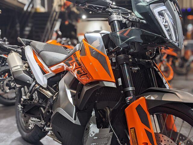 790 ADVENTURE 【オフロードの走行も可能な軽量でハイパフォーマンなバイクです♪】